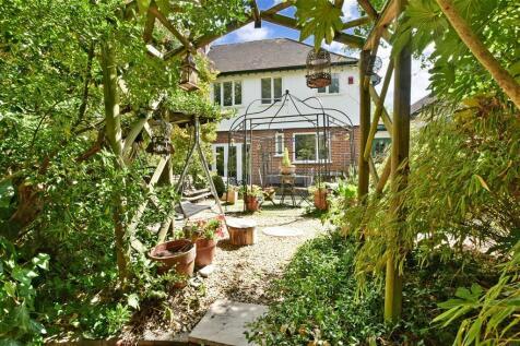 Waynflete Avenue, Croydon, Surrey. 4 bedroom semi-detached house