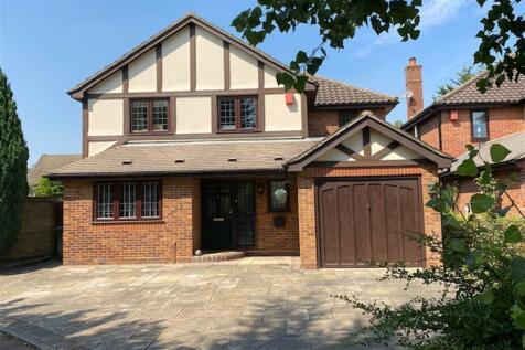 Castle Close, Romford, Essex. 4 bedroom detached house for sale