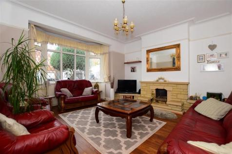 Chelmsford Gardens, Ilford, Essex. 4 bedroom semi-detached house for sale