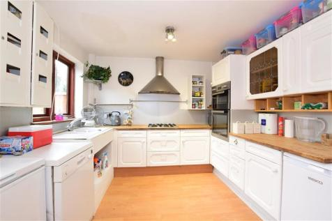 Balfour Road, Ilford, Essex. 5 bedroom terraced house