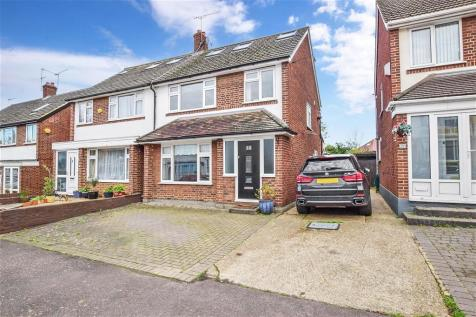 Wynndale Road, South Woodford. 4 bedroom semi-detached house for sale