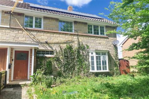 Station Road, Ningwood, Newport, Isle of Wight. 3 bedroom semi-detached house