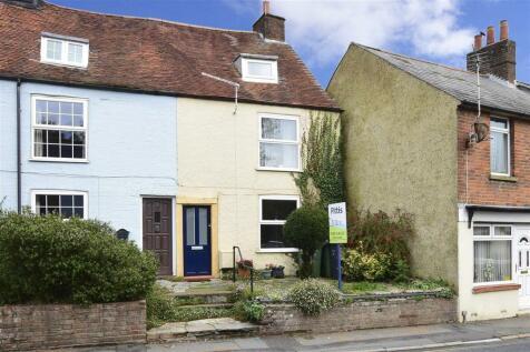 Carisbrooke High Street, Carisbrooke, Newport, Isle of Wight. 4 bedroom end of terrace house for sale