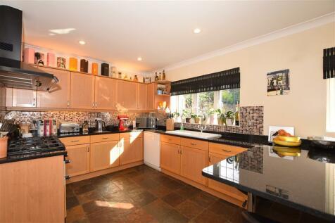 Jersey Close, Kennington, Ashford, Kent. 5 bedroom detached house