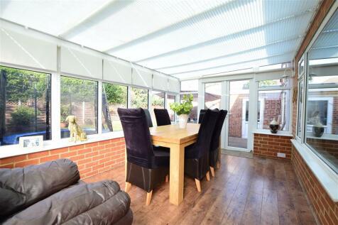 Lane End, Bexleyheath, Kent. 4 bedroom bungalow for sale