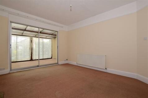 Westover Road, Broadstairs, Kent, CT10 3ES, South East - Detached Bungalow / 3 bedroom detached bungalow for sale / £270,000