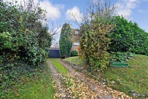 Railway Hill, Barham, Canterbury, Kent. 2 bedroom semi-detached house