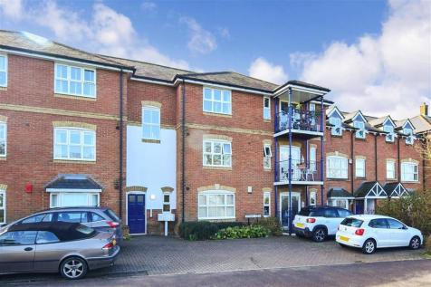 Tower View, Chartham, Canterbury, Kent. 2 bedroom flat