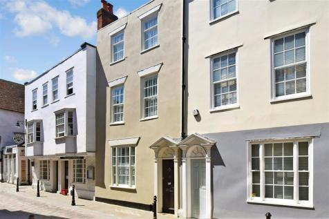 Best Lane, Canterbury, Kent. 3 bedroom town house
