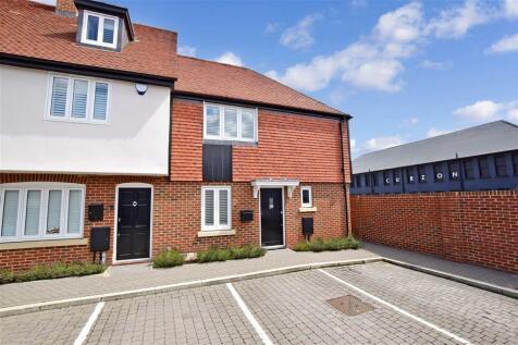 Pound Lane, Canterbury, Kent. 2 bedroom end of terrace house