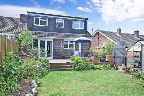 Oxenden Crescent, Wingham, Canterbury, Kent. 4 bedroom semi-detached bungalow