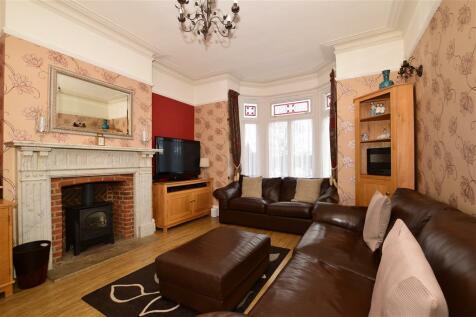 Summerhill Road, Dartford, Kent. 5 bedroom detached house
