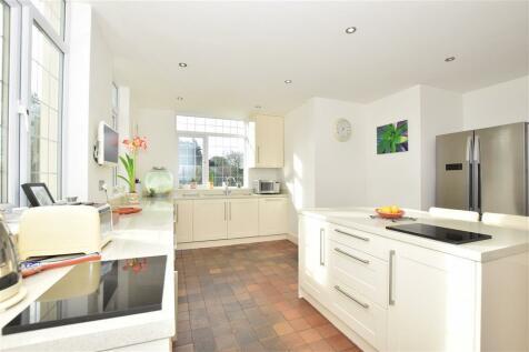 Main Road, Knockholt, Sevenoaks, Kent. 5 bedroom detached house