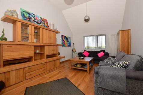 Canterbury Road, Hawkinge, Folkestone, Kent. 3 bedroom detached house