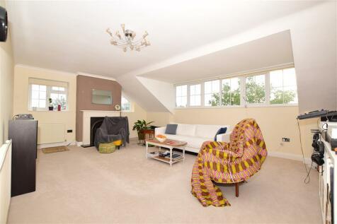 Godwyn Road, Folkestone, Kent. 2 bedroom flat