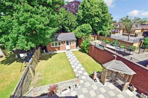 Stuart Road, Gillingham, Kent. 5 bedroom semi-detached house