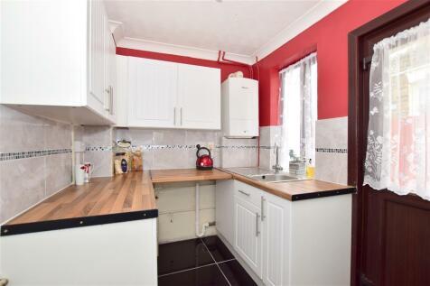 East Street, Gillingham, Kent. 2 bedroom terraced house