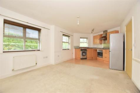Plantation Road, Gillingham, Kent. 2 bedroom ground floor flat