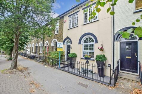 Marlborough Road, Gillingham, Kent. 5 bedroom terraced house