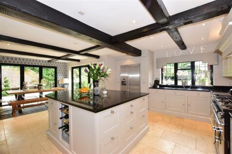 Woodlands Road, Ditton, Aylesford, Kent. 4 bedroom detached house
