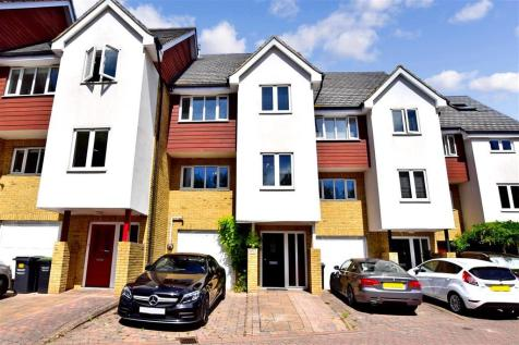 Friars View, Aylesford, Kent. 4 bedroom town house