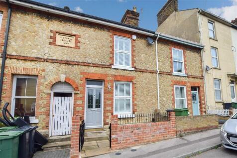 Randall Street, Maidstone, Kent. 3 bedroom terraced house