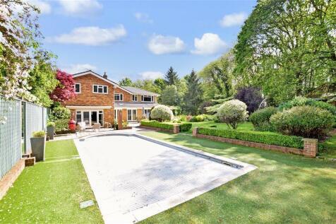 Mierscourt Road, Rainham, Gillingham, Kent. 6 bedroom detached house