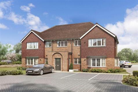 Peters Village, Hall Road, Evabourne, Wouldham, Rochester, Kent. 1 bedroom ground floor flat
