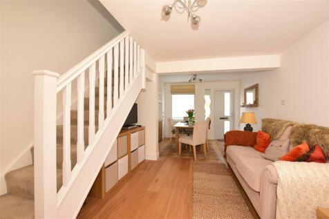 High Street, Wouldham, Kent. 2 bedroom terraced house