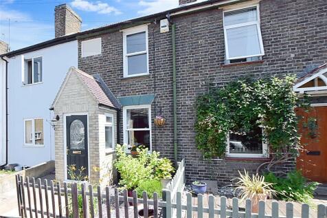 High Street, Rochester, Kent. 2 bedroom terraced house