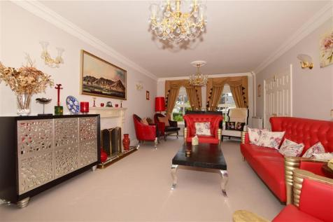 Ospringe Place, Tunbridge Wells, Kent. 5 bedroom detached house