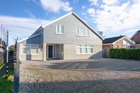 Hazlemere Road, Seasalter, Whitstable, Kent. 4 bedroom detached house for sale