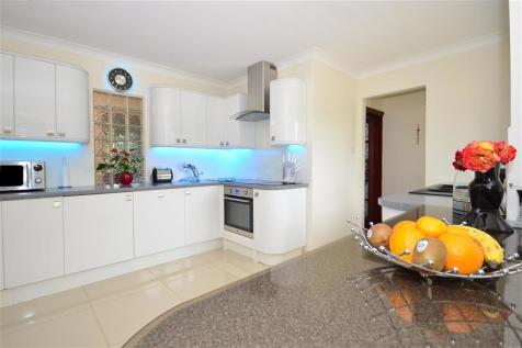 Pean Hill, Whitstable, Kent. 6 bedroom detached bungalow for sale