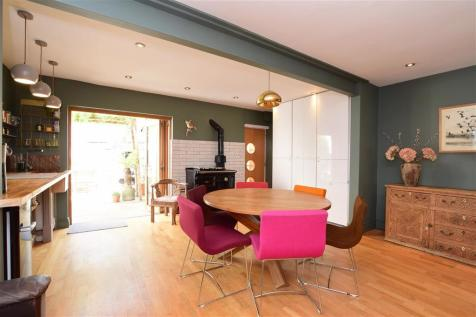Powis Grove, Brighton, East Sussex. 4 bedroom end of terrace house