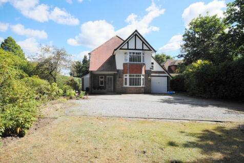 West Moors, Ferndown, BH22. 4 bedroom detached house