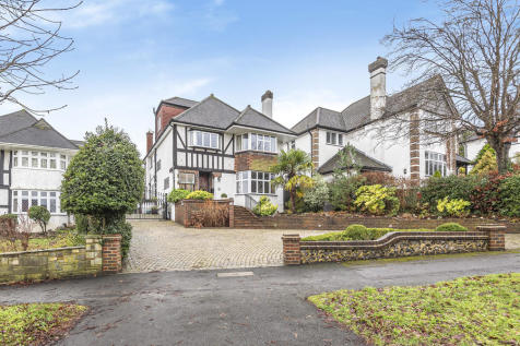 Beeches Walk, Carshalton Beeches. 6 bedroom detached house