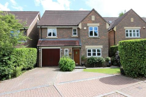 Water Mead, Chipstead. 5 bedroom detached house