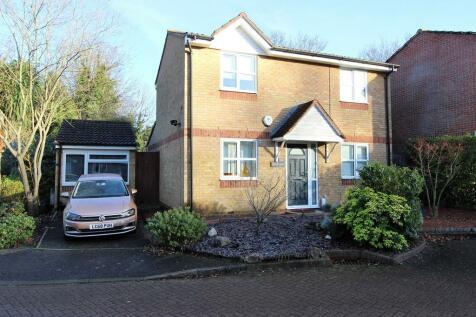 Dunnymans Road , Banstead. 3 bedroom detached house for sale