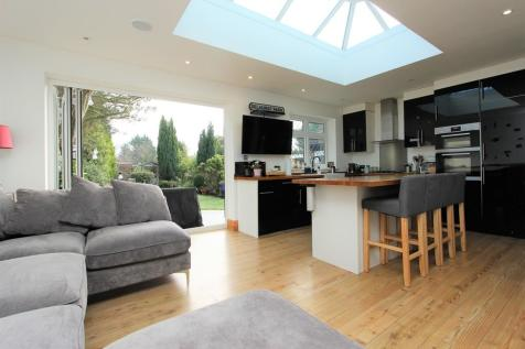 Picquets Way, Banstead. 4 bedroom detached house for sale