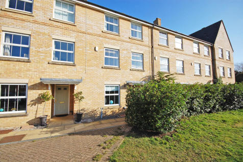 Fayrewood Drive, Great Leighs, Chelmsford, CM3. 4 bedroom town house