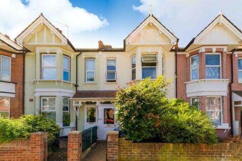 St. Kilda Road, West Ealing. 3 bedroom house