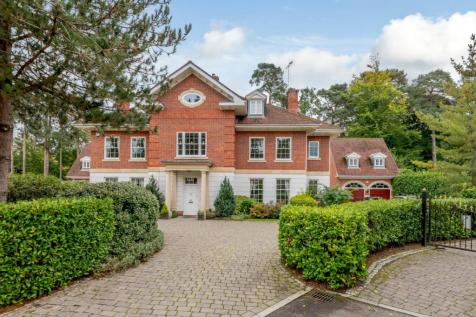 The Chase, Ascot, Berkshire. 6 bedroom detached house for sale