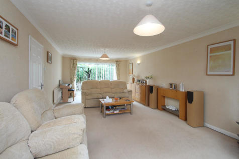 Lower Court Road, Lower Almondsbury, Bristol BS32 4DX. 4 bedroom detached house