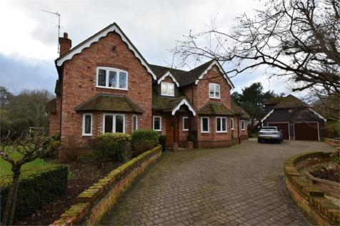 Monks Alley, Binfield, Berkshire. 4 bedroom detached house for sale