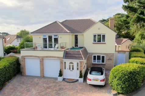 FRIARS CLIFF. 4 bedroom detached house