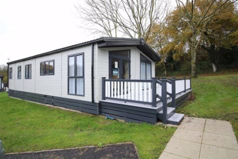 Milford on Sea, Hampshire. 2 bedroom park home