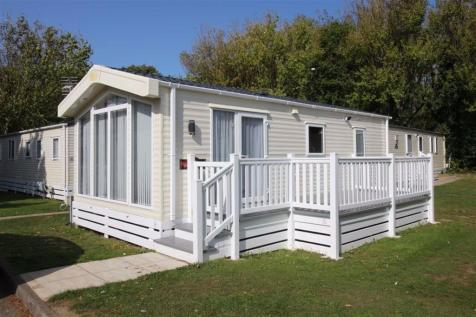 Shorefield Country Park, Hampshire. 2 bedroom park home