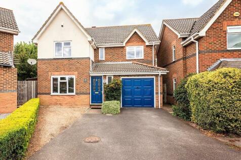 Ten Acre Way, Rainham, Gillingham. 4 bedroom detached house