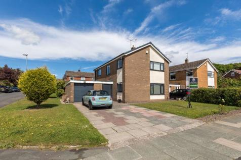 Whitley Crescent, Whitley, WN1 2PU. 4 bedroom detached house