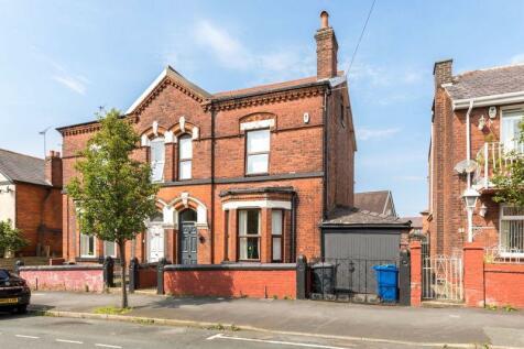 Upper Dicconson Street, Swinley, WN1 2AG. 4 bedroom semi-detached house